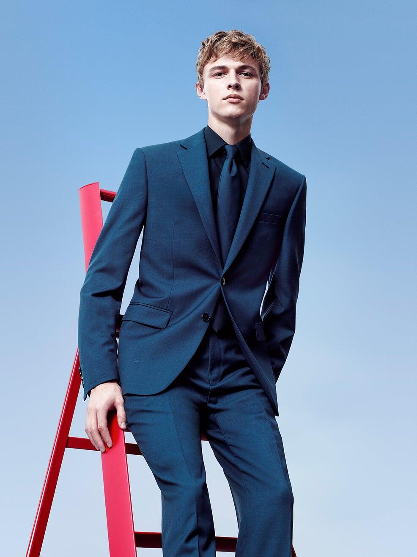 Calvin Klein Mens Suiting